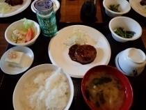 P7084165雲取山荘夕食 (210x158).jpg