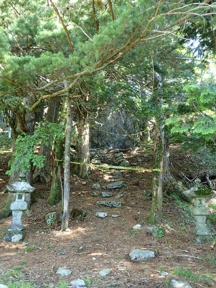 P7094304七ツ石神社810 (443x590).jpg