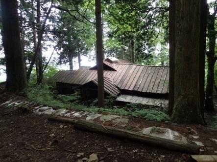 P7134440大岳山荘1204 (443x332).jpg