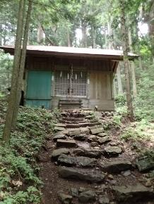 P7134445大嶽神社拝殿1213 (218x290).jpg